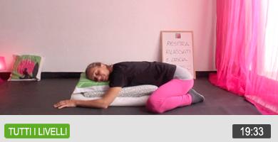 Yoga: scopri tutti i segreti delle posizioni invertite e mettile in